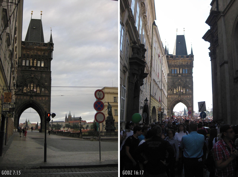 dwa zdjęcia, po lewej widok na Wieżę Staromiejską, w oddali Hradczany, zero ludzi. drugie zdjęcie: praktycznie to samo ujęcie, zdjęcie zrobione po południu, bardzo dużo ludzi