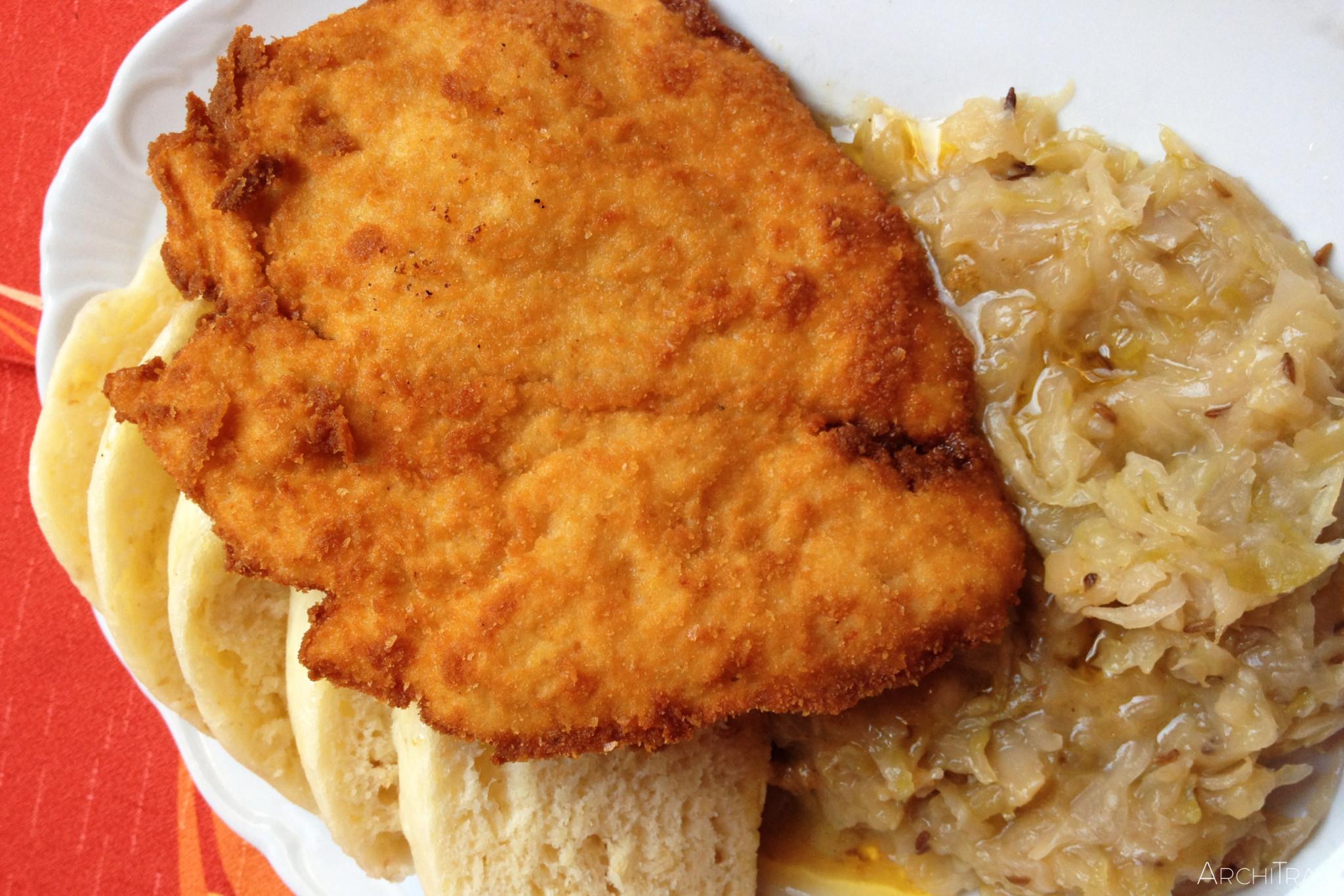 jedzenie w Czechach knedliki i kapusta zasmażana