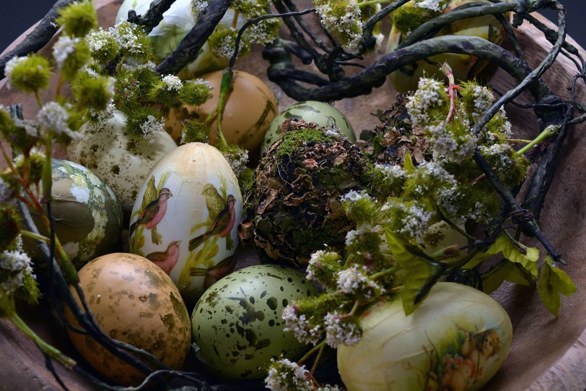 easter-eggs-1232929_1920