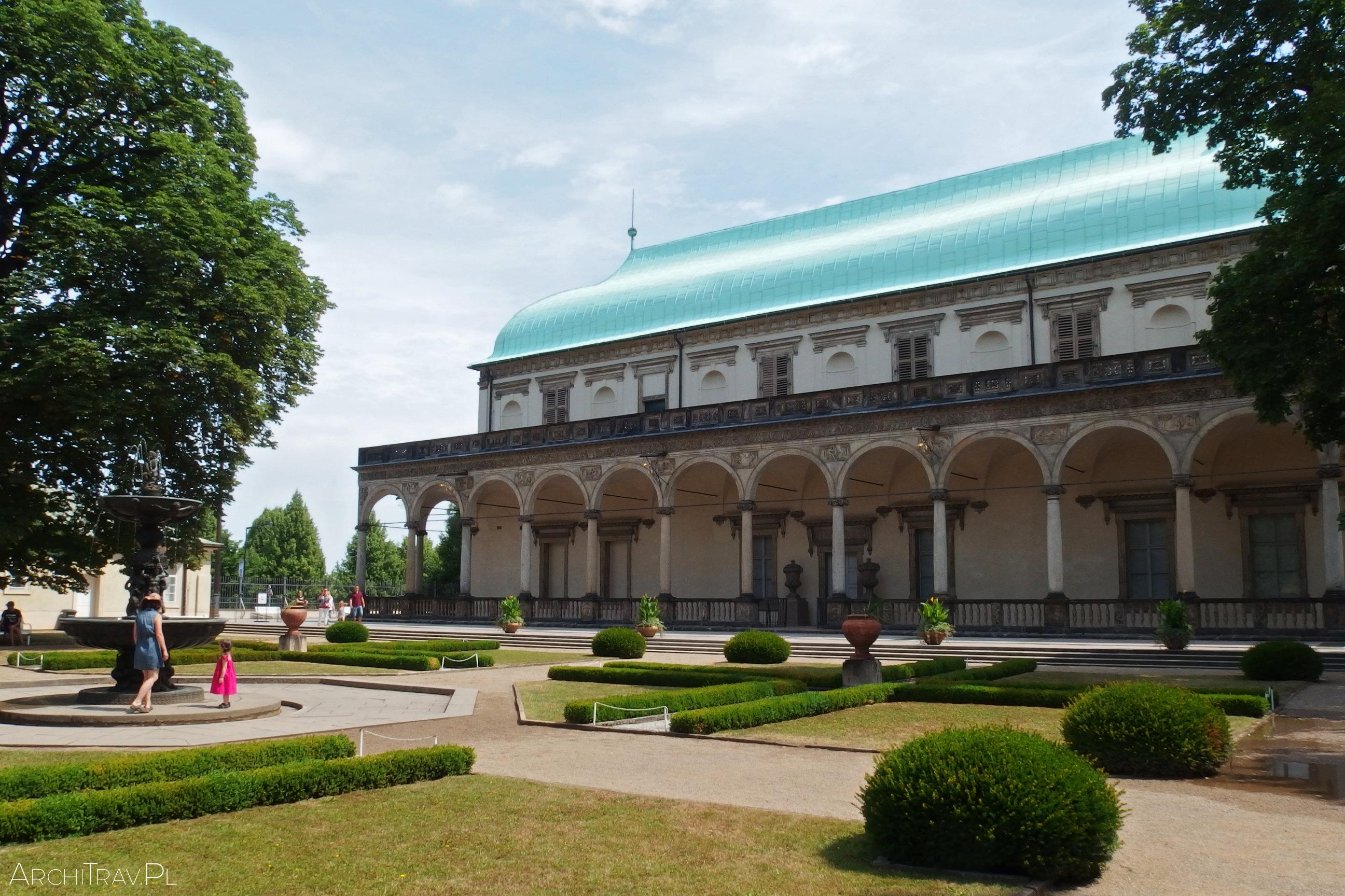 Ogrody Królewskie - widok na Letohradek, Praga
