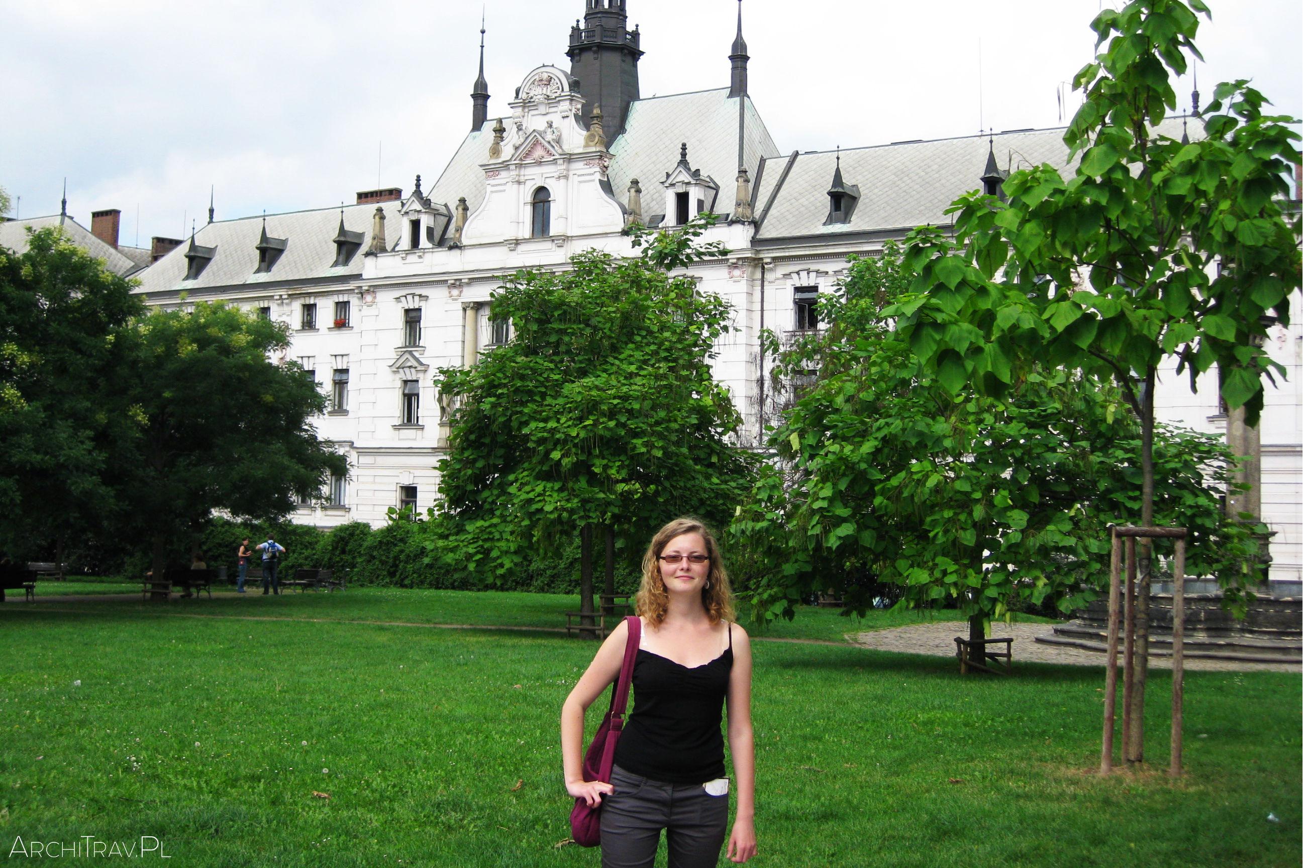 Plac Karola w 2008 r. Widok na Sąd Miejski.